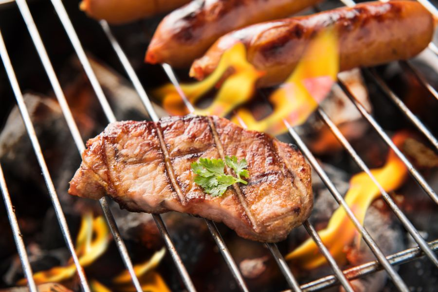 How To Work A Charcoal Grill: 5 Easy Steps