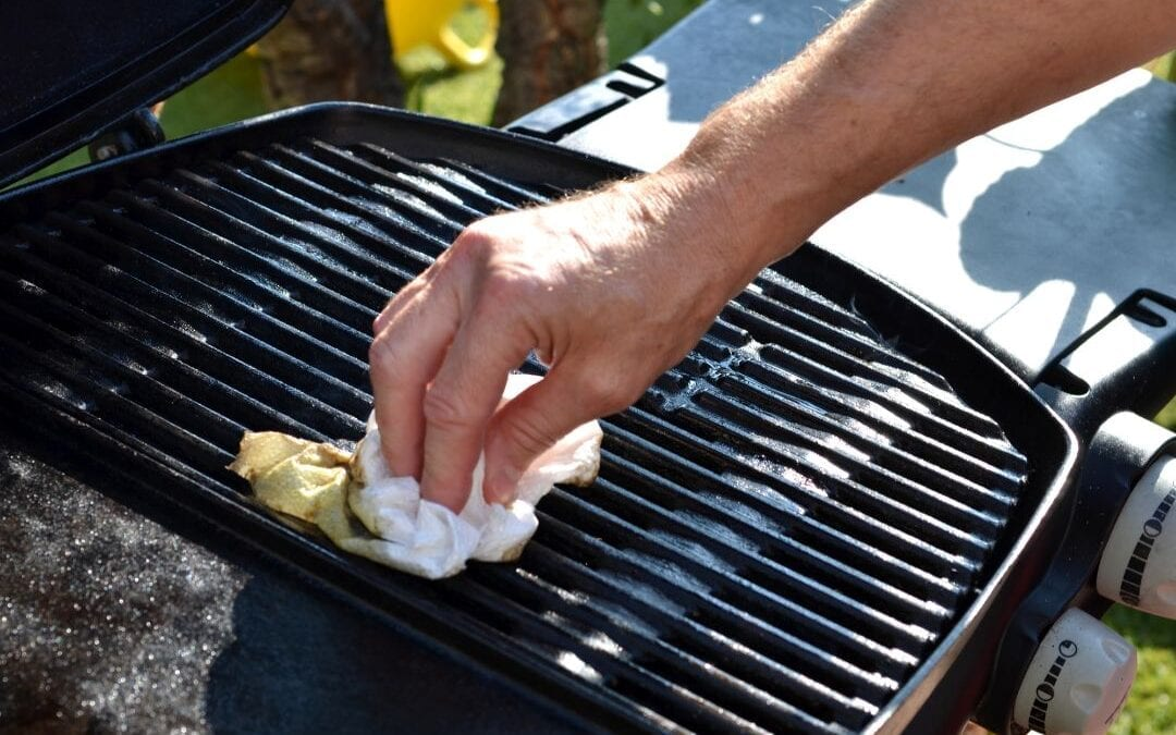 The Best Ways to Clean a BBQ Grill: 10 Quick and Easy Tips